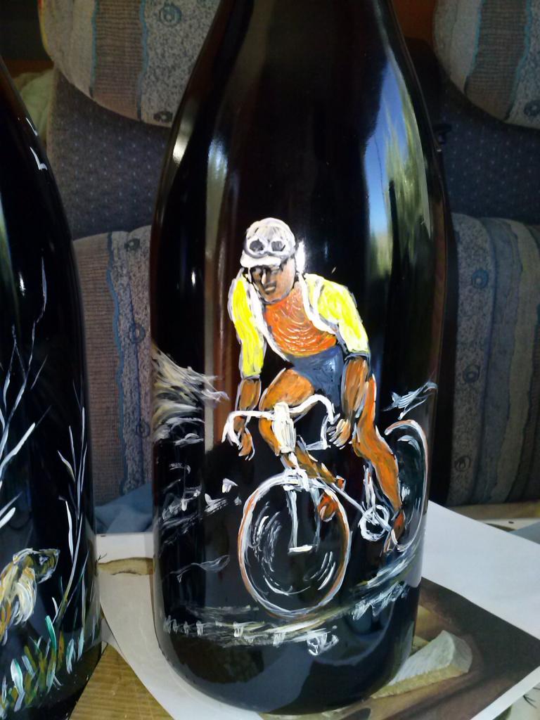 Cycliste (acrylique sur bouteille)